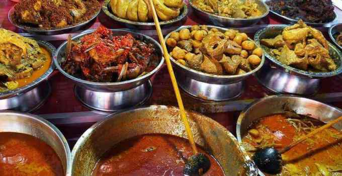 Makanan Khas Minangkabau Nasi Kapau