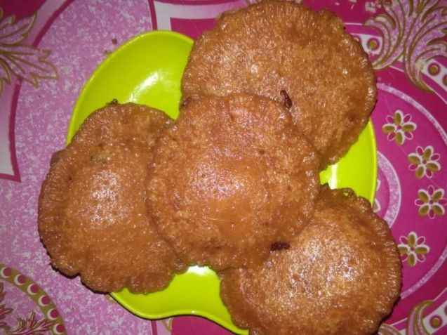 Makanan Khas Sulawesi Barat Kue Cucur