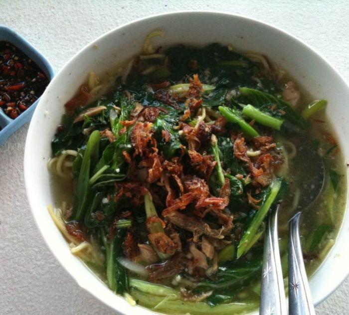 Makanan Khas Sulawesi Utara Mie Cakalang