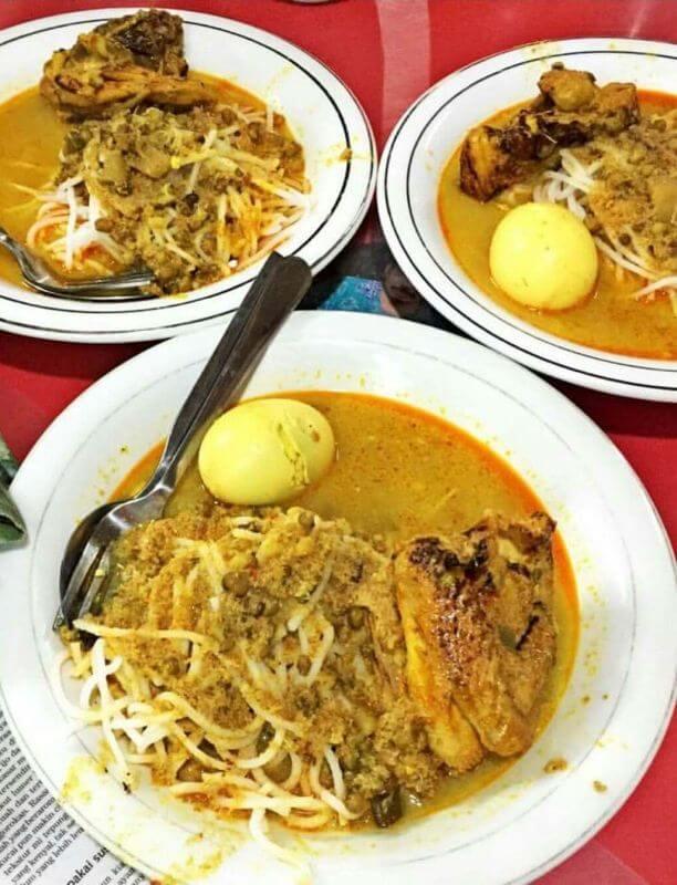 Makanan Khas Tangerang Laksa