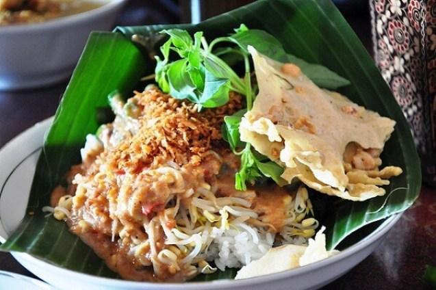 makanan khas ponorogo_nasi pecel tumpuk