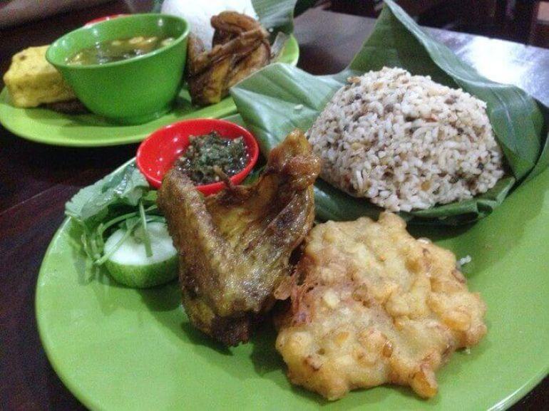 makanan khas tasikmalaya nasi tutug oncom