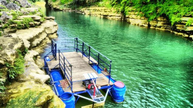 Sungai Hijau Air Terjun Sri Gethuk