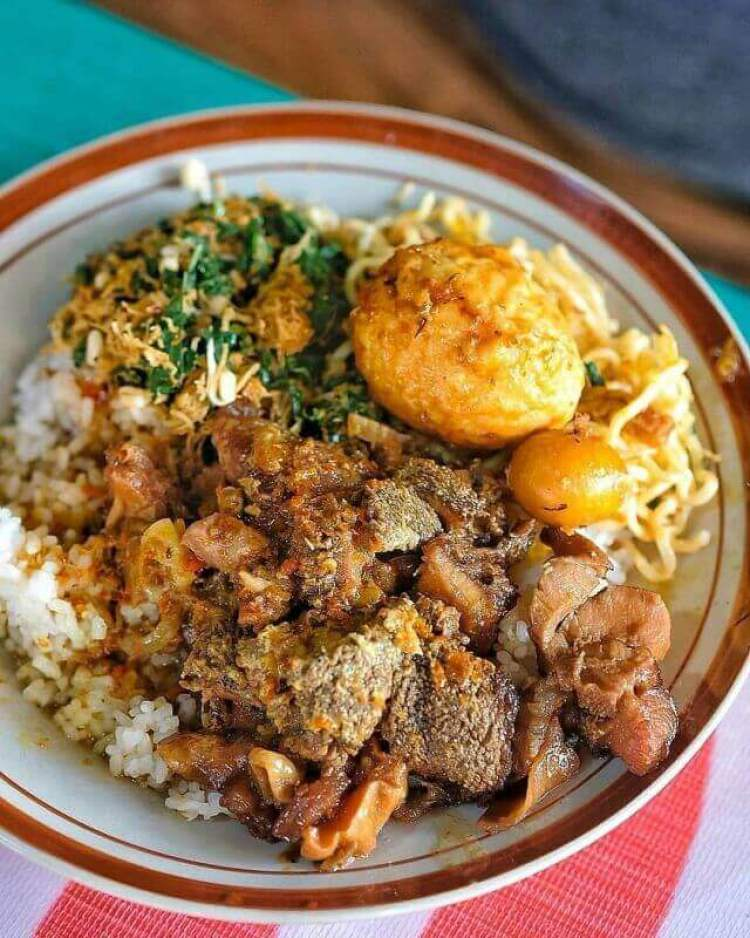Resep Makanan Khas Pacitan_Sego Gobyos - Bosmeal.com