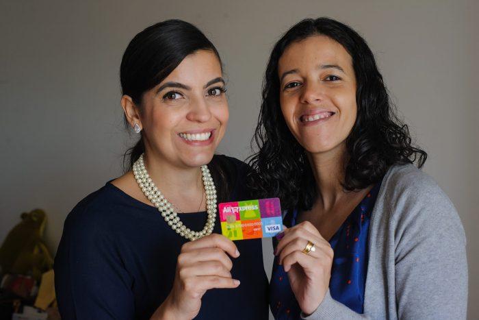 Açao Comprando Fora Visa Carol Martins e Gabriela Miranda #comprandofora #visa #artedeorganizar #consumoconsciente Data:07/07/2016 Foto: Márcia Alves