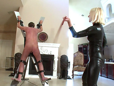 extreme whipping bdsm women