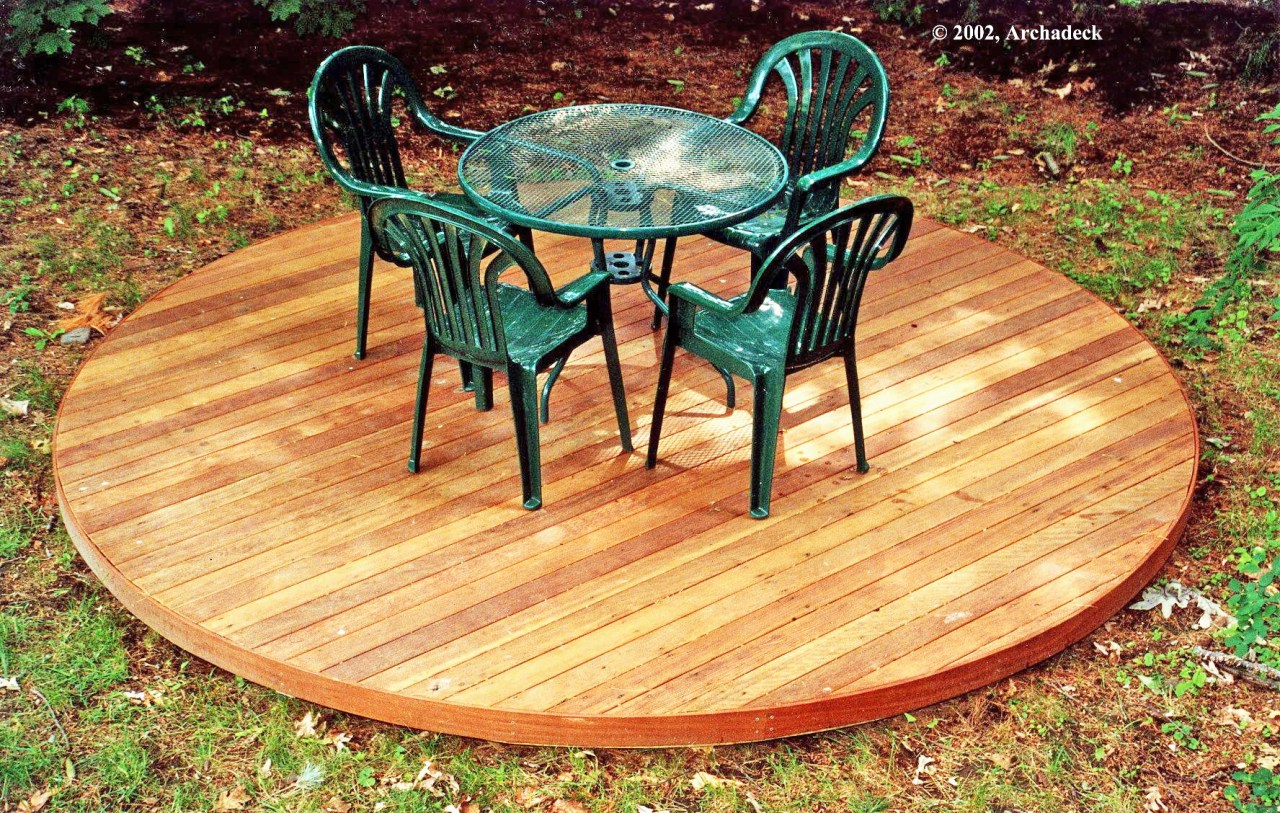 Circular Deck, Lexington MA