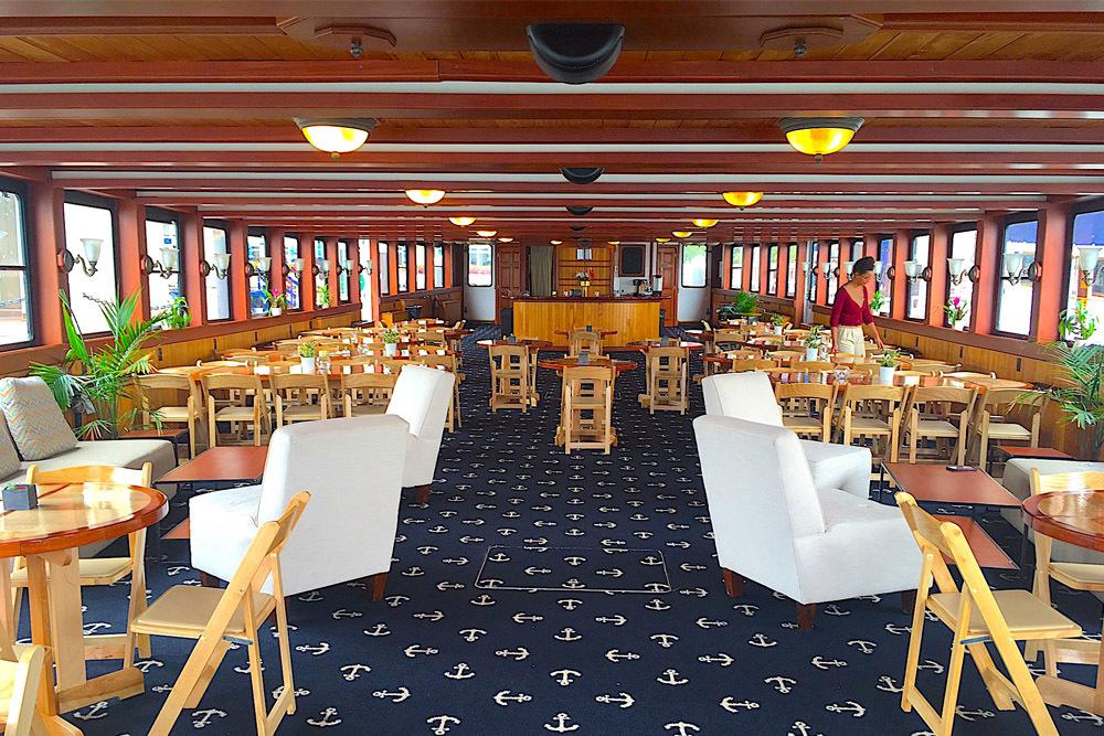 Yacht Northern Lights Boston Harbor Cruises Classic Harbor Line