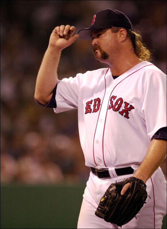 6/17/2000--BOSTON--Boston Red Sox relief pitcher Rod Beck acknowledges the applause of the home crowd after he left the game during the ninth inning of Saturday's game at Fenway Park in Boston. The Red Sox lost, 11 to 10, to the Toronto Blue Jays in nine innings of play.