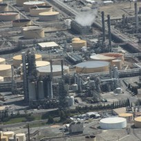 refinery-109023_1280