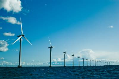 b2ap3_thumbnail_Offshore-wind-turbines-43932955
