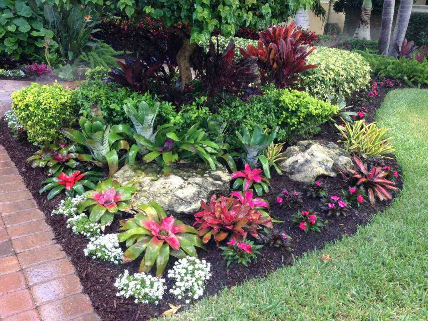 From Chicago Landscaping to Florida's Tropical Paradise ... on Tropical Landscaping Ideas For Small Yards id=22114