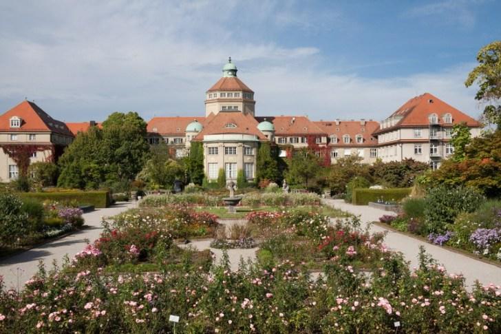 botanical-garden-454338_1280