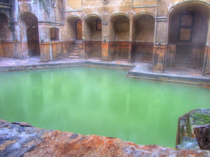 Cyanobacteria responding well to warming in Roman Bath.