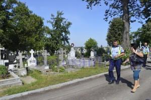politisti in cimitirul pacea