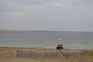 barca si amfibie in apa la stanca1