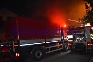masina pompieri incendiu noaptea casa botosani2