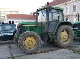 tractor- politia de frontiera