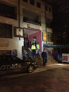 masina politie in fata la dolce vita noaptea2