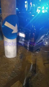 accident masina in stalp (1)