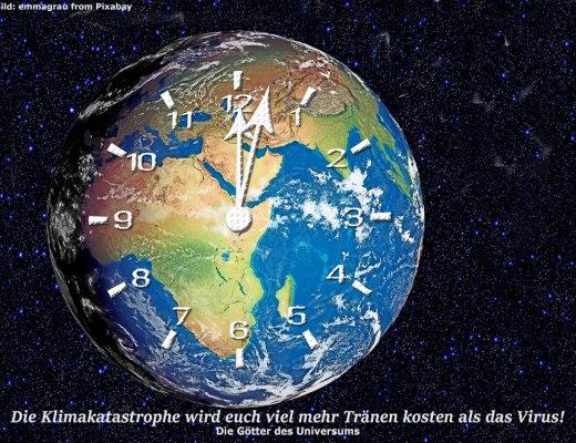 Erde mit eienr Uhr, die kurz nach Zwölf anzeigt.