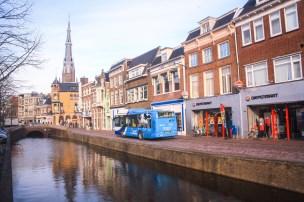 Bus komuter kota Leeuwarden