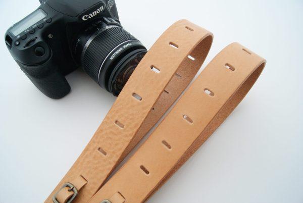 本革でできたカメラストラップ,お洒落なカメラストラップ