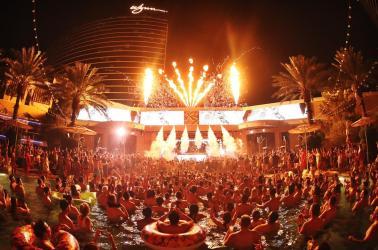 xs-nightclub-entrance