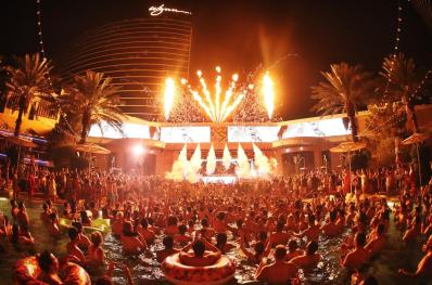 xs-nightclub-patio