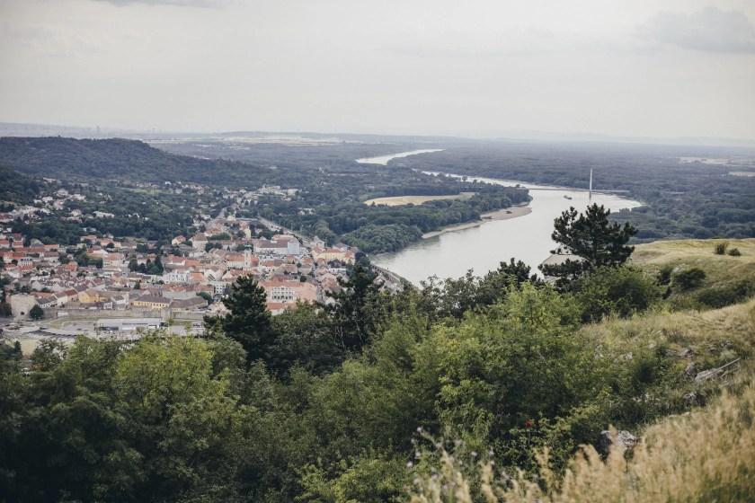 Blick vom Braunsberg runter auf die Donau