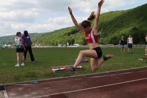 Manon victorieuse au triple saut