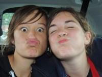 Ethel et Amandine dans la voiture...
