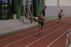 Manon se rabat en tête au 4x200m