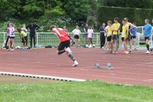Paulin au départ de son 400m