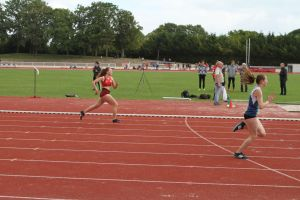 Justine à l'arrivée de son 400m