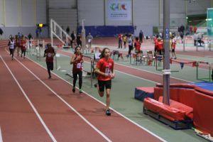 Pascaline en tête du 1000m devant Louna et Mariam