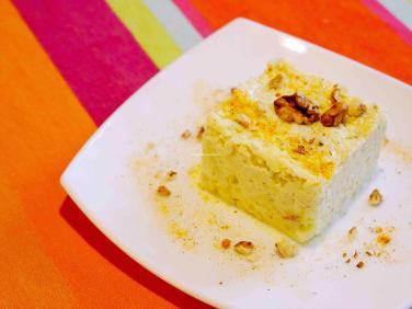 Coleslaw dans assiette vu du dessus