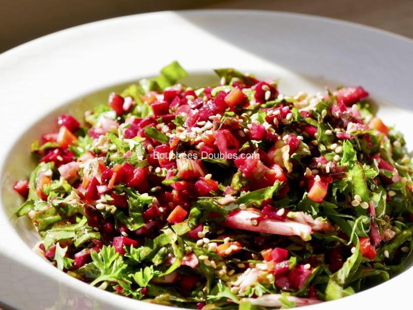 Découvrez cette recette de salade composée gourmande et alcaline : fraîcheur et vitalité !
