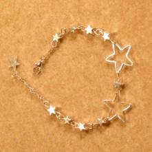 Des étoiles au poignet pour garder son âme d'enfant