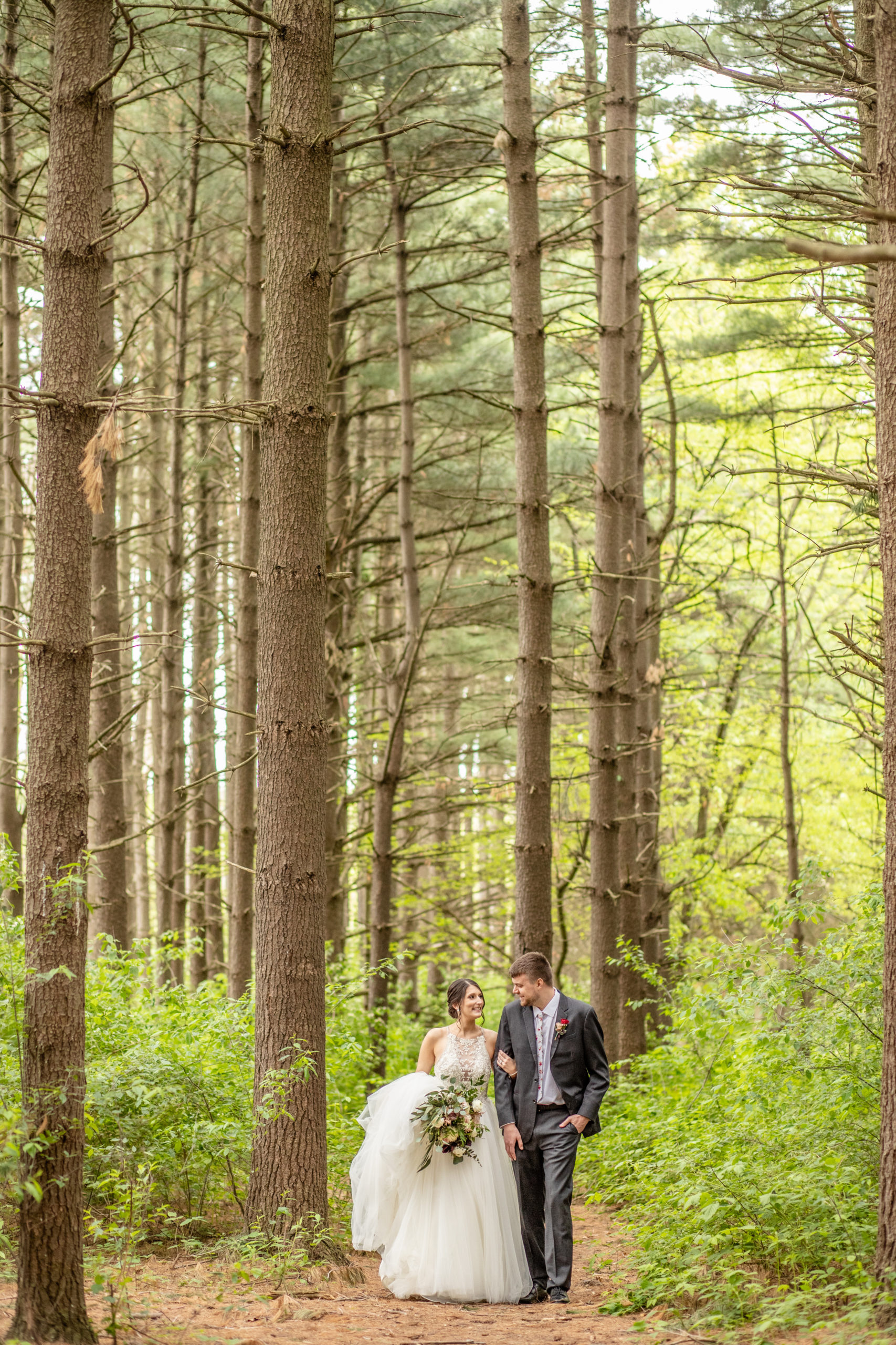 pine trees, bride and groom,southern illinois photographer