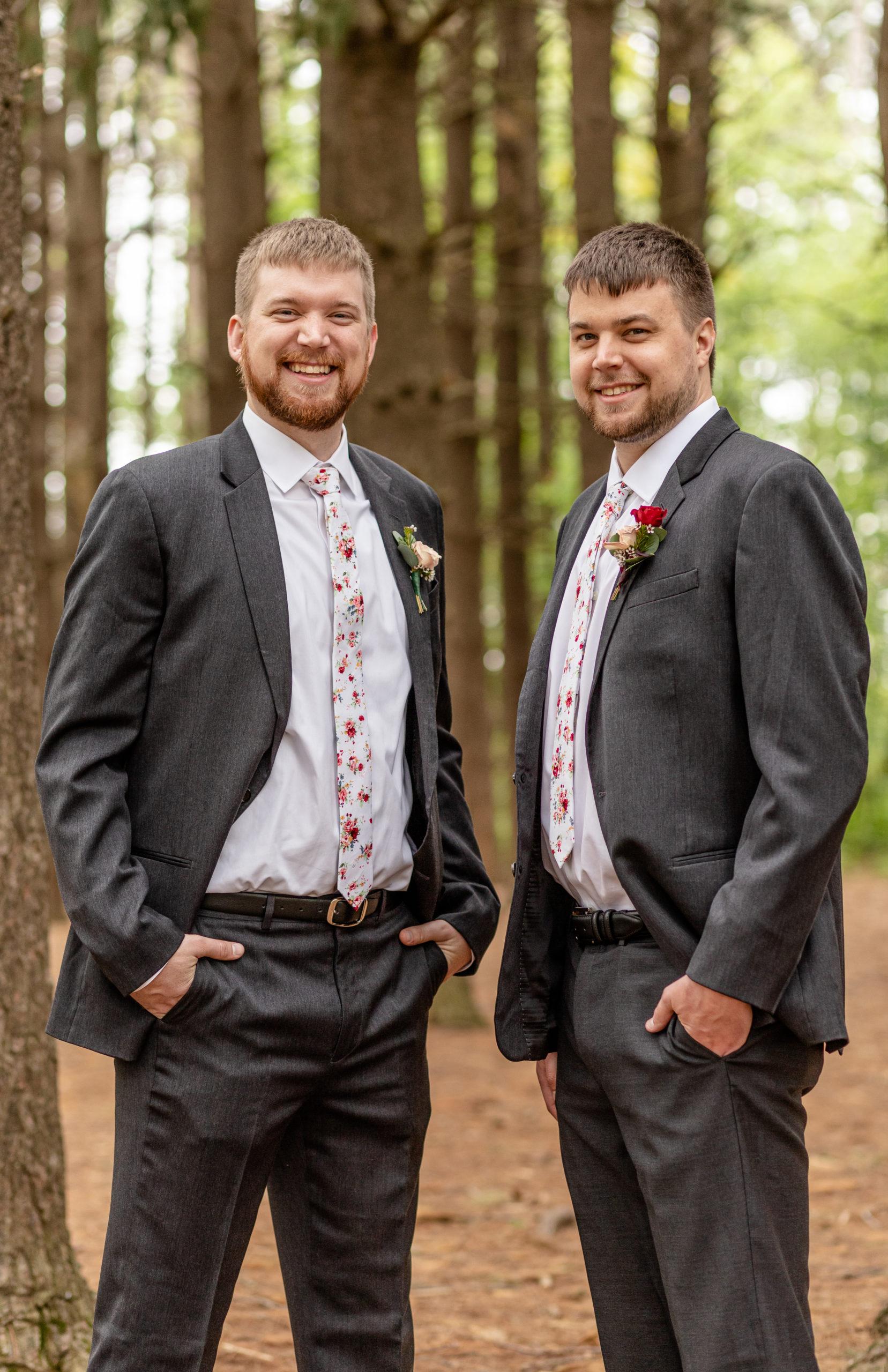 groom, grey suit, groomsman, southern illinois photography