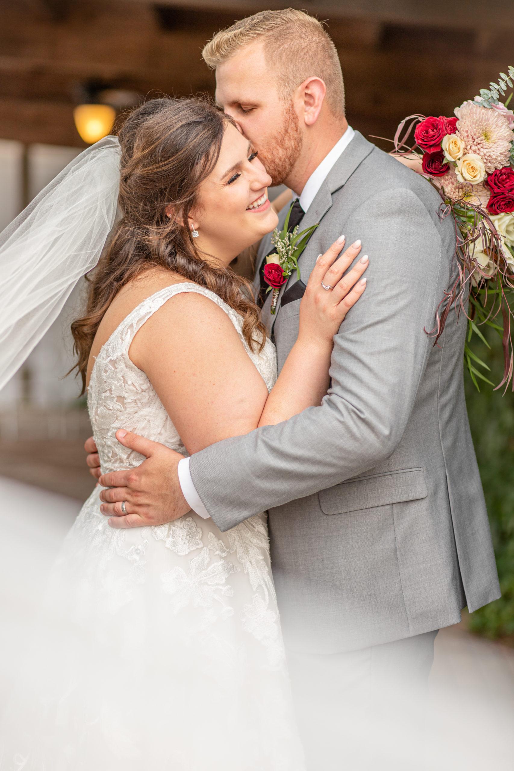 wedding photography, veil swoop, garden grove, carbondale, southern Illinois wedding