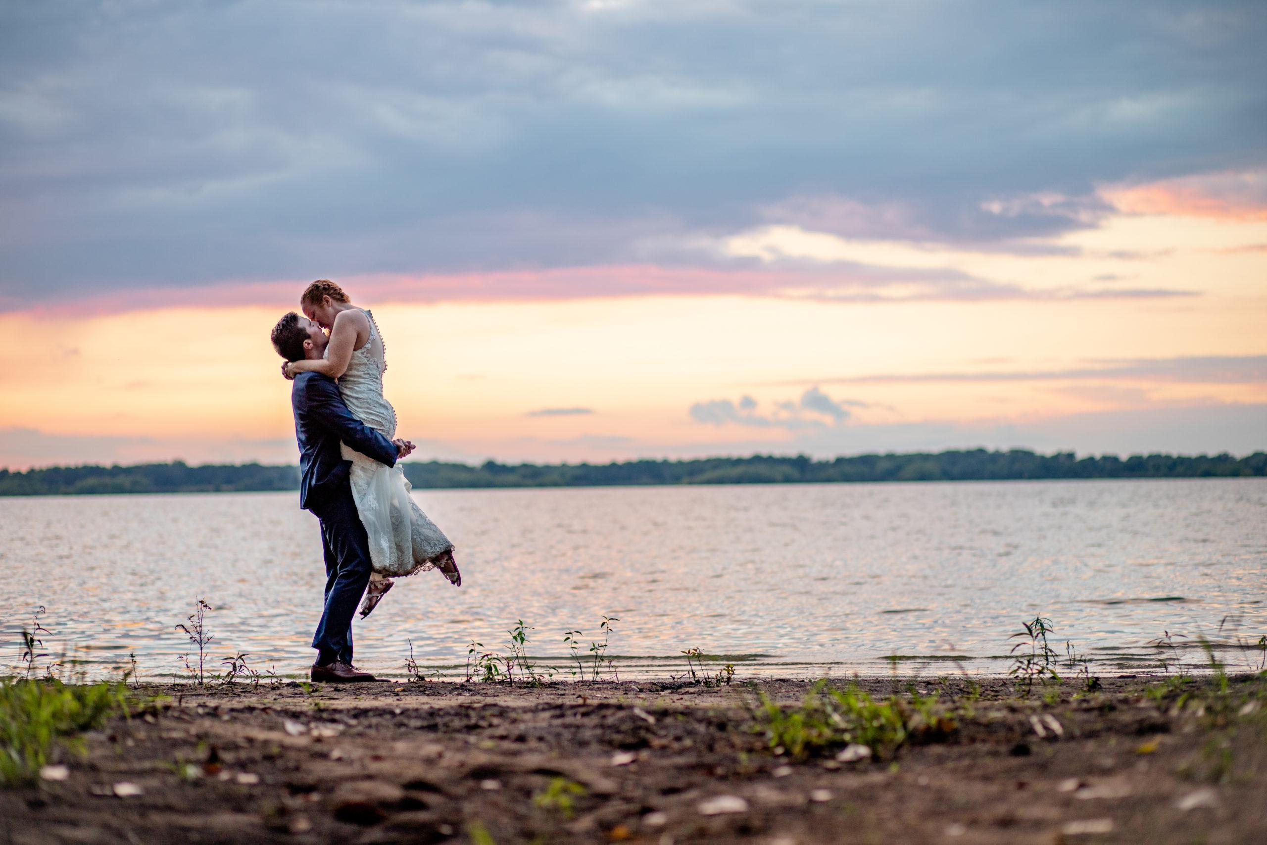 bride and groom lakeside, lakeside wedding, rend lake wedding, sunset wedding photos