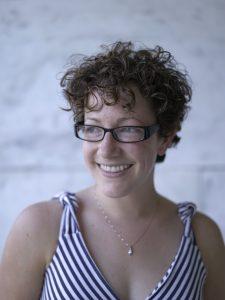 Nicole Perlman headshot