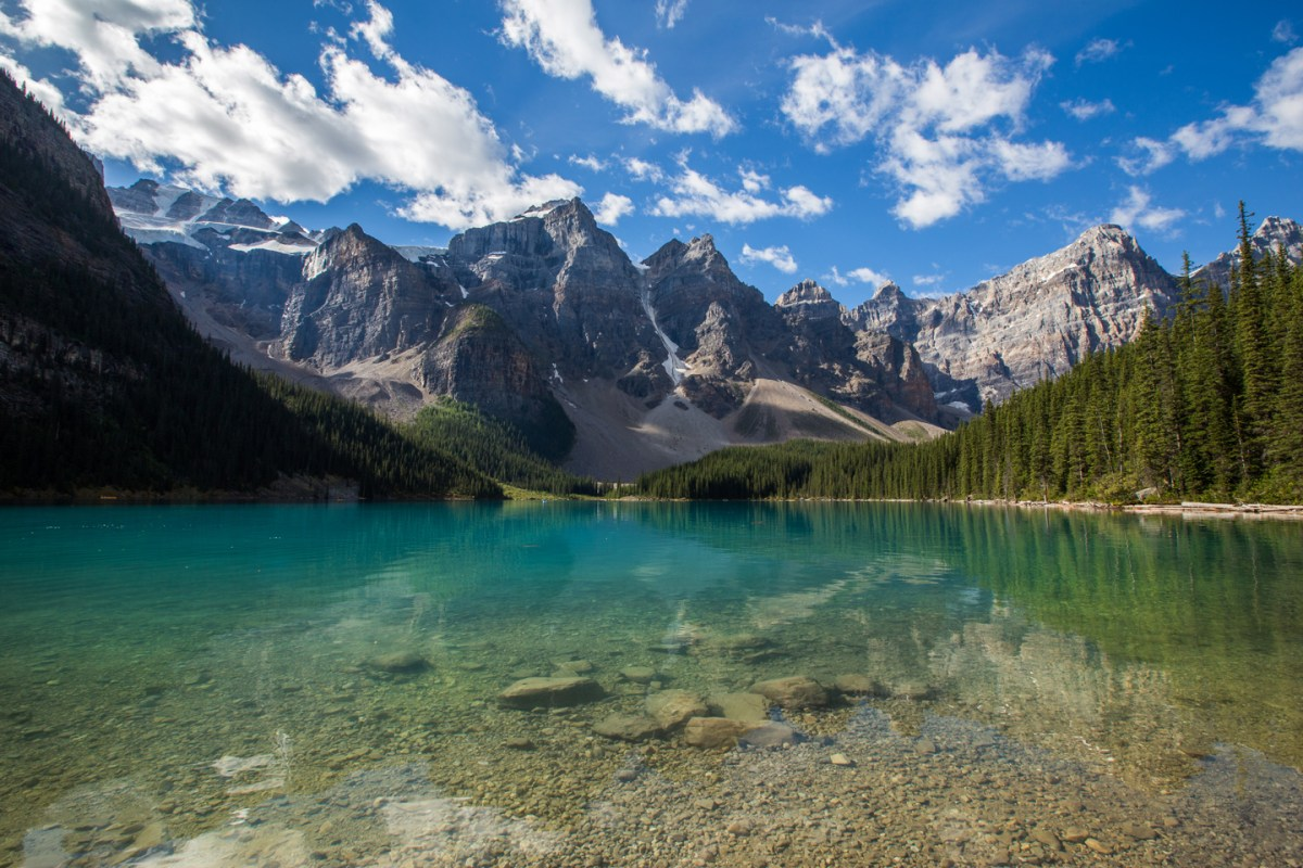 moraine-lake-banff-blue-water