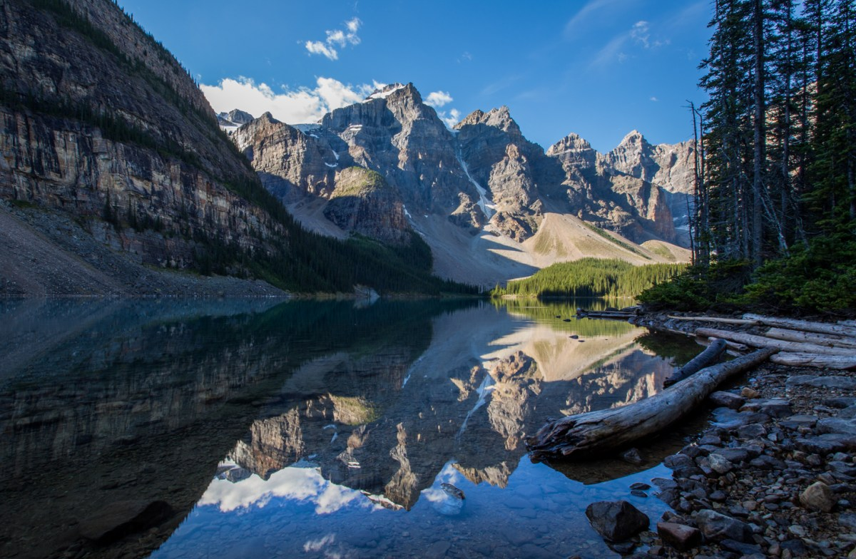 moraine-lake-banff-morning-reflection