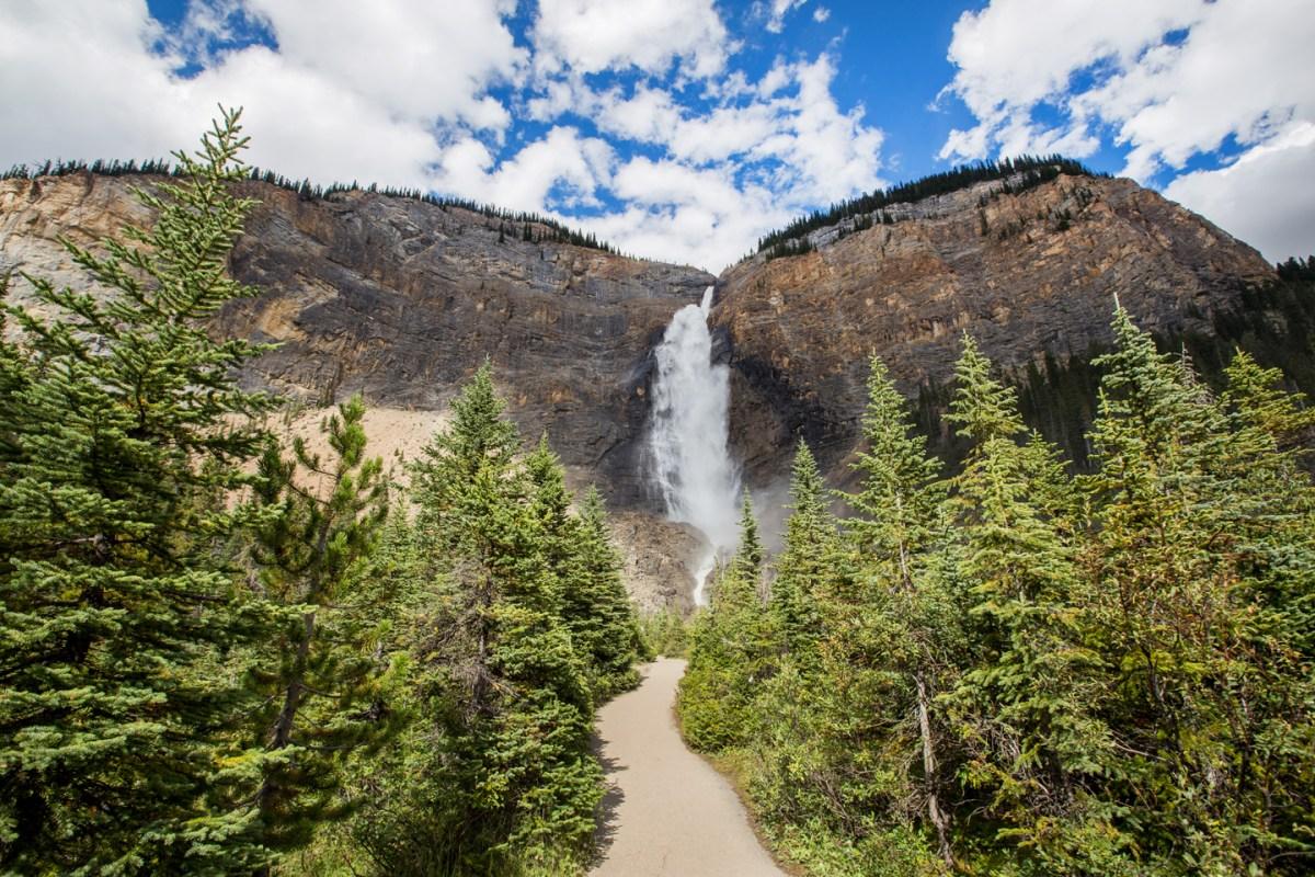 takakkaw-falls-yoho-path
