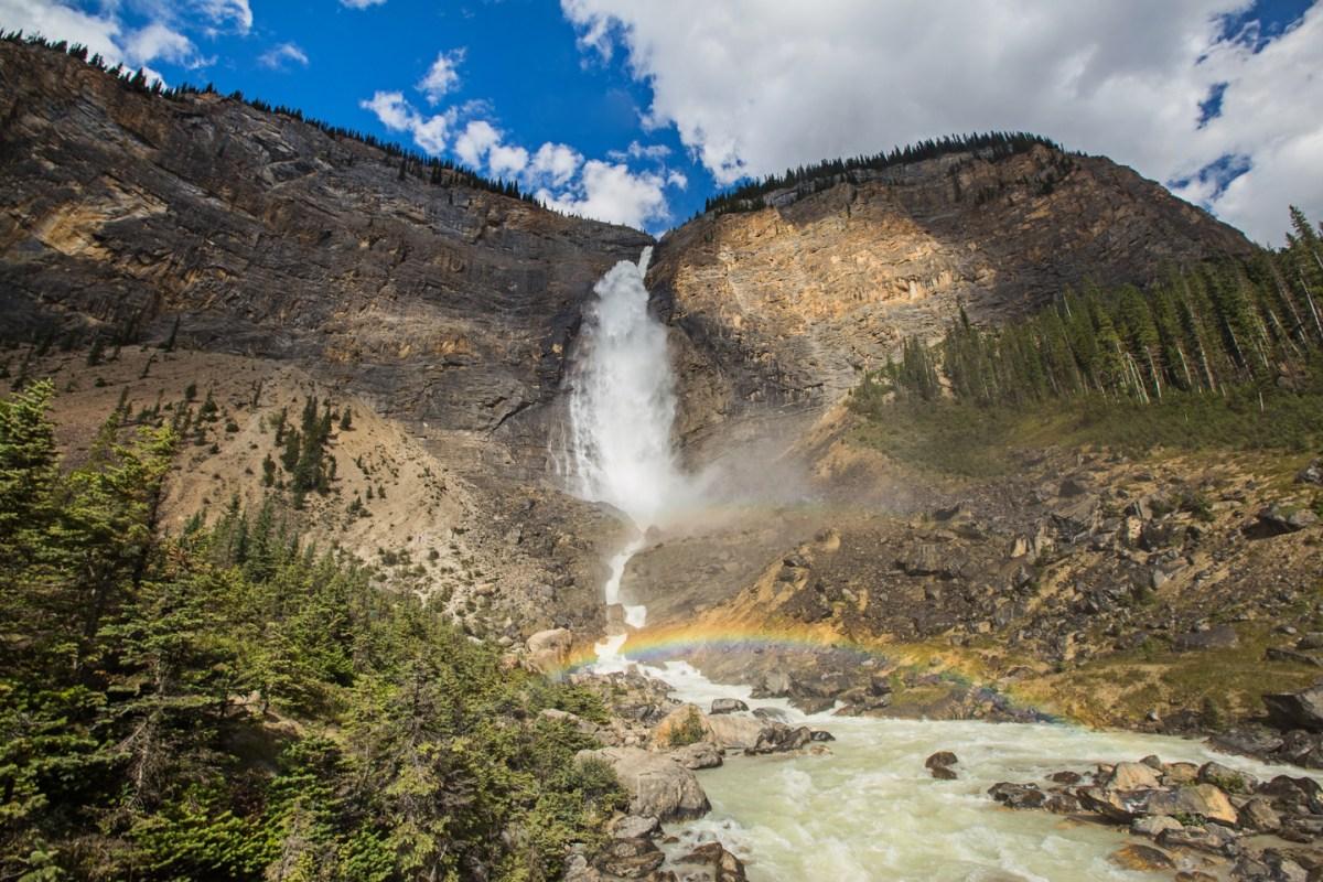 takakkaw-falls-yoho-rainbow