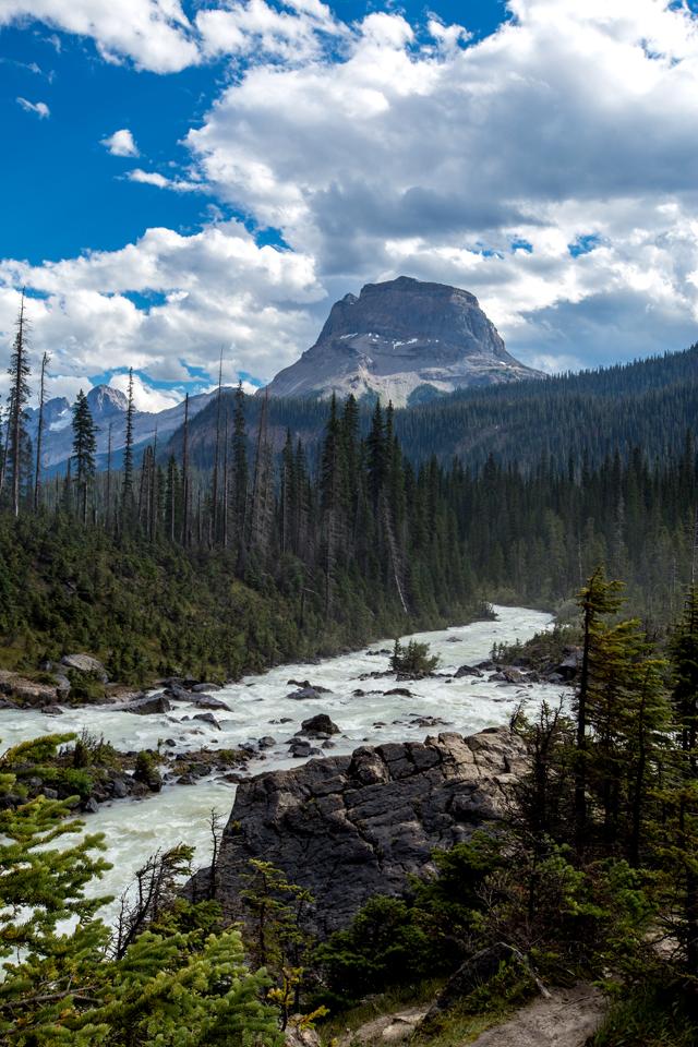yoho-national-park-mountain-river