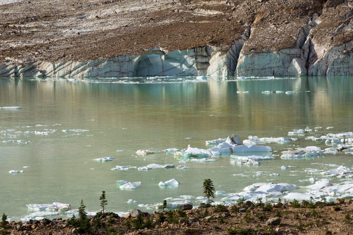 angel-glacier-lake-1
